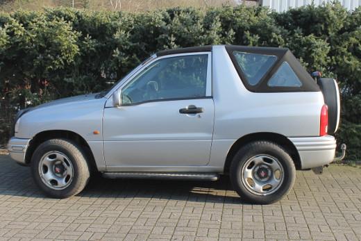 Suzuki Grand Vitara Cabrioverdeck Seite Ecke SeiteHeck